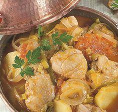 Receita de Cataplana de Frango -As receitas feitas na cataplana ficam mais aromáticas, pois o processo de cozedura, impede a perda dos aromas dos alimentos. Experimente esta receita e verá como é deliciosa.