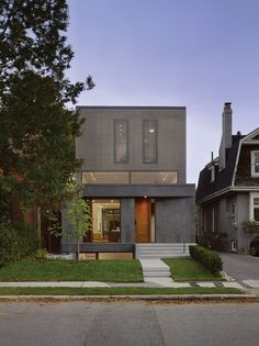 Couple of interesting ideas, kinda cool contemporary facade for your traditional street. See int pics. Paul Raff Studio have designed a light filled home for a family of four in Toronto Residential Architecture, Contemporary Architecture, Architecture Design, Contemporary Houses, Studio Foto, Casa Top, House Seasons, Toronto Photography, Clerestory Windows