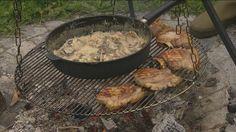 Svinekoteletter med grov svampecrouton og grillede citron | TV 2 Fri