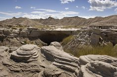 """The """"moonscape"""" of the Badlands is an unusual setting for a picnic. Use self-guided trail brochure to explore the area's fascinating geology."""