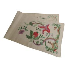 Antique Alegorical Embroidery Red and Green Table Runner 1 Green Table, Textile Fabrics, Vintage Quilts, Shades Of Red, Natural Linen, Table Runners, Red Green, Vintage Antiques, Tapestry