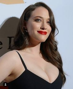 The place for all news and information about your favorite celebrities. Beautiful Celebrities, Beautiful Actresses, Beautiful Women, Kat Dennings Pics, Nia Long, 2 Broke Girls, Actrices Hollywood, Christina Hendricks, Woman Crush