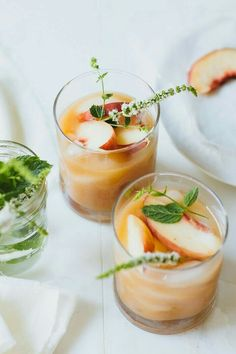 A perfect 5 minute white peach margarita for your after work happy hour. Summer Cocktails, Cocktail Drinks, Cocktail Recipes, Cocktail Ideas, Dinner Recipes, Peach Margarita, Margarita Recipes, Peach Sangria, Peach Drinks