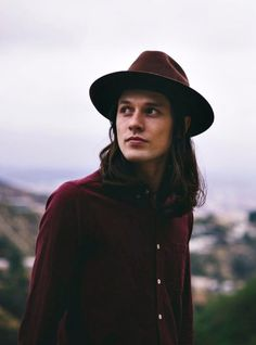 101-handsome-men:SInger-songwriter James Bay