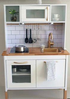 Hacks Cocina, Cocina Diy, Ikea Kids Kitchen, Mini Kitchen, Best Play Kitchen, Kitchen White, Kitchen Tips, Modern Kitchen Cabinets, Kitchen Furniture
