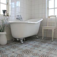 I want this tub!!