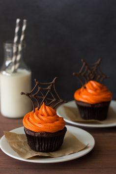 Pumpkin chocolate cupcakes.