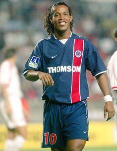 Ronaldinho nos tempos de PSG.
