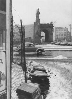 Am Anhalter Bahnhof, Kreuzberg, um 1980 - Schön war die Zeit, als die Welt noch in Ordnung war - Photo: Werner Eckelt