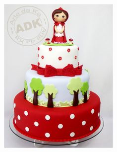Bolo Chapeuzinho Vermelho - Red riding hood (link does not lead to tutorial). Sweet Cakes, Cute Cakes, Pretty Cakes, Beautiful Cakes, Amazing Cakes, Bolo Picnic, Fondant Cakes, Cupcake Cakes, Bolo Fack