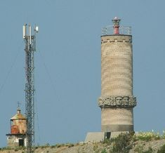 Lighthouses of Russia: Eastern Black Sea   Old and new Ostrov Utrish Lights, June 2008