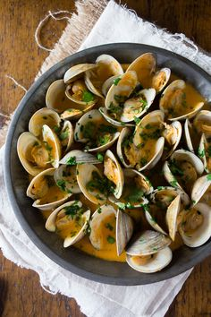 These spicy coconut milk clams are packed full of Thai flavor and cook in less than 20 minutes. It's full of spicy red chiles and sweet coconut milk to create the perfect sweet and spicy seafood Clam Recipes, Fish Recipes, Seafood Recipes, Dinner Recipes, Cooking Recipes, Healthy Recipes, Cooking Kale, Cooking Pumpkin, Asian Recipes