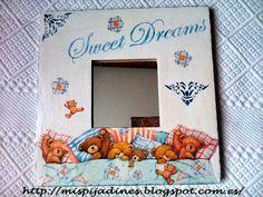Decorando con stencils (pág. 26) | Decorar tu casa es facilisimo.com 3d Frames, Ikea Mirror, Painted Picture Frames, Stencils, Diy Frame, Mirror Ideas, Pattern, Projects, Kids