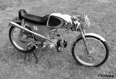 Hondadag 2014 Best Motorbike, Motorcycle Bike, Small Motorcycles, Vintage Motorcycles, Custom Moped, Custom Bikes, Honda S90, Honda Bikes, Cafe Style