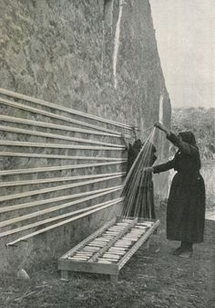 winding a warp | Torre de'Passeri, Pescara, Abruzzo, Italy | P. Montopoli: photographer for The Streets of Italy magazine | 1934 vintgae photography textile artists weavers inspiration for the work space