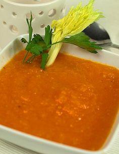 Lekka zupa z pieczonych pomidorów z selerem naciowym Thai Red Curry, Ethnic Recipes, Fitness, Food, Meals, Health Fitness, Yemek, Rogue Fitness, Eten