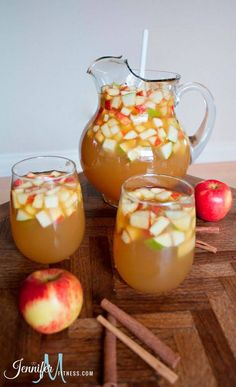 Apple Pie Sangria With Table Wine Apple Cider Club Soda Caramel Vodka Honey Crisp Apples Pears Thanksgiving Drinks, Holiday Drinks, Fun Drinks, Yummy Drinks, Fall Cocktails, Thanksgiving Appetizers, Halloween Alcoholic Drinks, Thanksgiving Prayer, Vodka Drinks