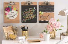 <p>Não sabemos se você estava procurando especificamente por ideias novas de decoração para o seu quarto, mas, procurando ou não, acabou de encontrar! Haha. Separamos sugestões de pequenas mudanças ou até mesmo de objetos simples que podem ser incluídos no seu quartinho para deixá-lo mais fofo. Temos muitas ideias lindas por aqui! Vem com a gente […]</p>