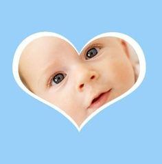 Geboortekaartje foto achter hart. De goedkoopste geboortekaartjes online ontwerpen en bestellen via http://www.geboortepost.nl/geboortekaartjes/foto-laten-plaatsen/picture-in-heart-blue-vk.html