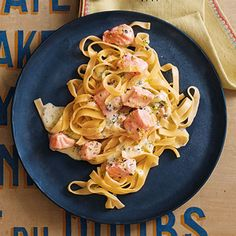 Lachs-Tagliatelle mit Kräuter-Limetten-Rahm Recipe for salmon tagliatelle with herb lime cream Healthy Gluten Free Recipes, Healthy Salad Recipes, Healthy Chicken Recipes, Shrimp Recipes, Salmon Recipes, Pasta Recipes, Beef Recipes, Cooking Recipes, Salmon Tagliatelle