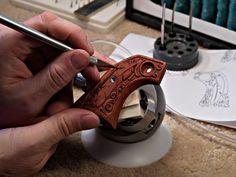 engraved gunstock Modern Rustic Furniture, Reloading Bench, Rifle Stock, Arm Art, Walking Sticks And Canes, Gun Cases, Wood Steel, Hunting Rifles, Craft Night