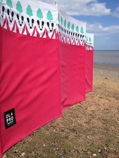 Make Your Own Canvas Beach Windbreak With A Few