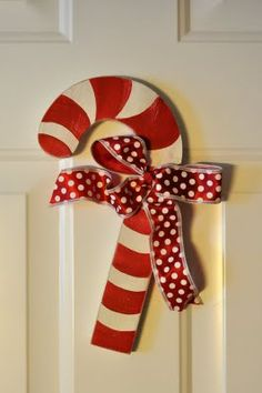Love the simplicity of the candy cane & bow...