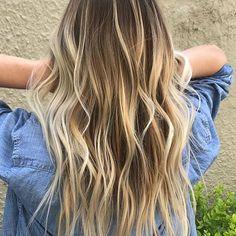 All American Bronde. Color by @jenna.giansanti #hair #hairtalk #hairenvy #hairstyles #haircolor #bronde #balayage #highlights #newandnow #inspiration #maneinterest