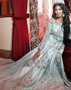 Caftan Kaftan, Caftan Dress, Kimono, Wedding Shot, Wedding Costumes, Glamour, Brown Girl, Abayas, Indian Bridal