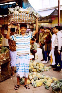 Fruit seller in Mumbai