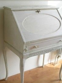 Secretaire with a history