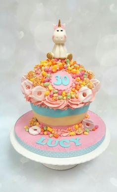 Rainbow unicorn giant cupcake - Cake by Vanilla Iced Giant Cupcake Cakes, Cupcake In A Cup, Rose Cupcake, Crazy Cakes, Fancy Cakes, Sweet Cakes, Cute Cakes, 30 Birthday Cake, Unicorn Birthday