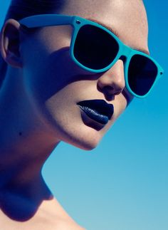 Adair by Jeff Tse, Portrait blue shadow glass close-up Azul Anil, Esther Boutique, Bleu Indigo, Blue Lipstick, Blue Sunglasses, Sunglasses Outlet, Oakley Sunglasses, Wayfarer Sunglasses, Bleu Turquoise