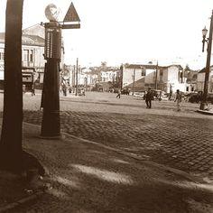 Largo do Piques. Bomba de gasolina. 1945. Hagop Garageem. São Paulo do Passado