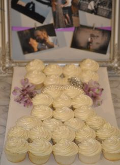Moscato Champagne Bridal Shower Cupcakes