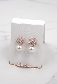 Discover recipes, home ideas, style inspiration and other ideas to try. Pearl Earrings Wedding, Bride Earrings, Rose Gold Earrings, Bridesmaid Earrings, Crystal Earrings, Pearl Bridal, Bridesmaids, Wedding Jewelry Sets, Bridal Jewellery
