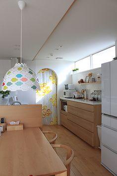 RoomClipユーザーの素敵なキッチンを紹介する「憧れのキッチン」連載。 今回は、白×メープルを基調とした、心地よい北欧ナチュラルインテリアを楽しまれているmekichinさんのキッチンをご紹介します。北欧インテリアのお手本のような、バランスの良いカラーコーディネートにも注目してみてください。