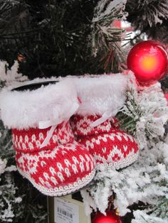 Knit stocking ornament From the Chalet Chic Theme at Your Christmas Shop at Stauffers of Kissel Hill Garden Centers. (http://www.skh.com/home-garden/departments-2/the-christmas-shop/)