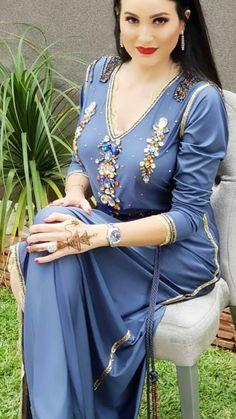 Arab Fashion, Muslim Fashion, Oriental Dress, Moroccan Caftan, Caftan Dress, Voluptuous Women, African Dress, Traditional Dresses, Pretty Outfits