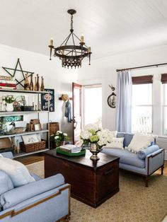 Love the vintage finds in this living room!