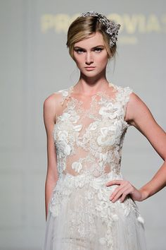 Pronovias 2016 is exhilarating with two new collections unveiled in for the first time in New York for their lines Atelier Pronovias and Pronovias.