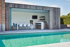 Poolhouse in Barnwood Outdoor Gazebos, Outdoor Plants, Indoor Outdoor, Outdoor Living, Outdoor Decor, Luxury Pools, Garden Office, Parking Design, Backyard