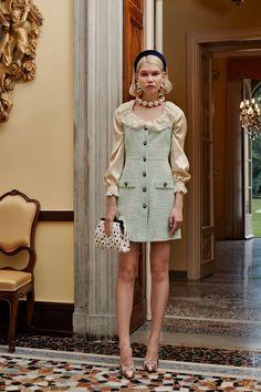 Alessandra Rich Spring 2019 Prêt-à-porter-Kollektion Landebahn-Looks Schönheit Modelle und Rezensionen. Look Fashion, Runway Fashion, High Fashion, Womens Fashion, Fashion Design, Ladies Fashion, Fashion Brands, Fashion Mode, Fashion 2018