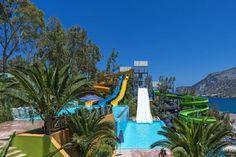 Fodele Beach in Kreta, Griekenland - Keuze genoeg in dit hotel aan het strand. Aan het zwembad vinden gasten tien glijbanen voor bezoeker...