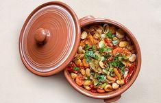 Ο φούρνος δίνει ξεχωριστή γεύση, το ίδιο και οι κόκκινες πιπεριές Φλωρίνης αλλά και τα ψιλοκομμένα μυρωδικά με τα οποία πασπαλίσαμε το φαγητό λίγο πριν από το σερβίρισμα. Food And Drink, Vegetables, Cooking, Ethnic Recipes, Foods, Kitchen, Food Food, Food Items, Vegetable Recipes