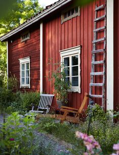Home in Sweden Swedish Cottage, Red Cottage, Cottage Homes, Sweden House, Red Houses, This Old House, Ivy House, My Dream Home, Beautiful Homes