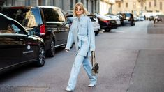 Fashion trend: this is how we will style our favorite jeans in spring 2021 Vogue Korea, Vogue Spain, V Magazine, Doutzen Kroes, Christy Turlington, Jeans Trend, Denim Fashion, High Fashion, Duster Coat