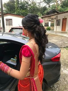 Saree Pattu Saree Blouse Designs, Blouse Designs Silk, Designer Blouse Patterns, Bridal Blouse Designs, Simple Blouse Designs, Stylish Blouse Design, Blouse Back Neck Designs, Designs For Dresses, Blouses