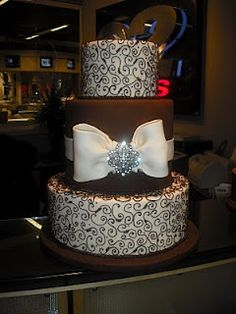 not a huge fan of the bow, but it's still a pretty damn cool cake Beautiful Cakes, Amazing Cakes, Pretty Cakes, Beautiful Boys, Crazy Cakes, Unique Cakes, No Bake Cake, Bolo Original, Fun Cakes