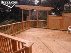 deck w/fencing for privacy